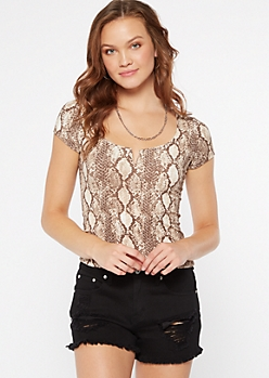 Snakeskin Print Structured V Neck Ribbed Top