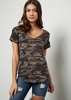Camo Print Favorite V Neck Relaxed Tee