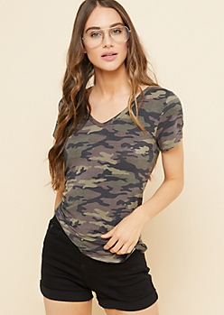 Camo Print Favorite Relaxed Fit V Neck Tee