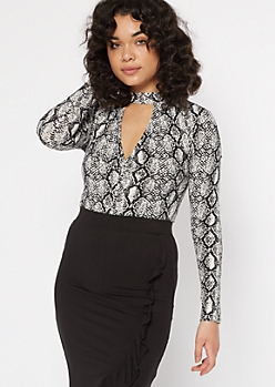 Snake Print Keyhole Cutout Twist Ribbed Knit Bodysuit