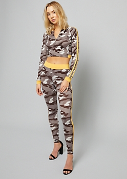 Camo Print Side Striped Ring Zipper Long Sleeve Crop Top
