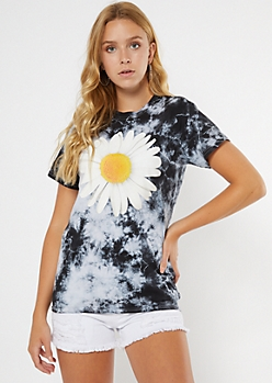 Black Tie Dye Daisy Graphic Tee