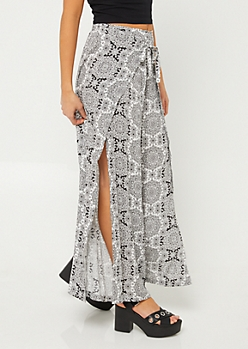 Black & White Medallion Palazzo Pants