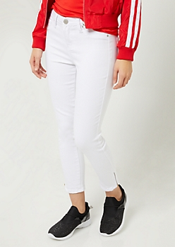 YMI Wanna Betta Butt White Mid Rise Zippered Cropped Jeans