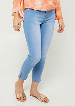 Betta Butt Light Wash Mid Rise Zippered Cropped Jeans