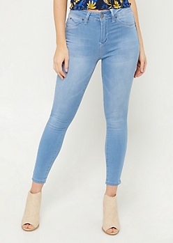 YMI Wanna Betta Butt Light Wash High Waisted Cropped Skinny Jeans