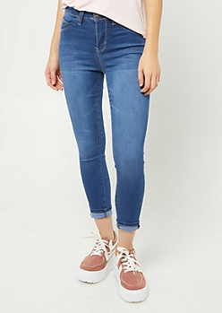 YMI Wanna Betta Butt Medium Wash High Waisted Cropped Skinny Jeans