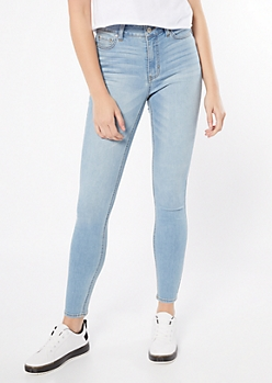 Ultra Stretch Light Wash High Waisted Jeggings in Regular