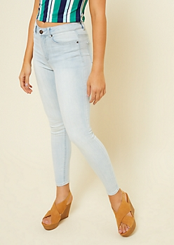 Light Wash High Waisted Jeggings in Short
