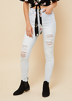 Light Wash High Waisted Distressed Jeggings in Short