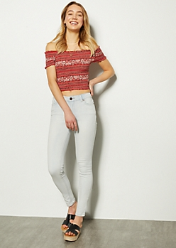 Light Wash Mid Rise Jeggings in Tall
