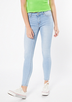 Ultra Stretch Light Wash Mid Rise Jeggings in Regular