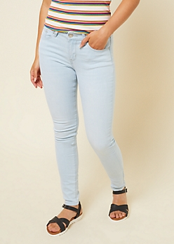 Light Wash Mid Rise Jeggings in Long