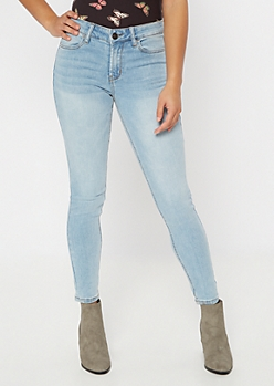 Ultimate Stretch Light Wash Mid Rise Jeggings