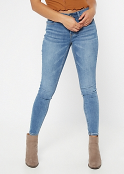 Ultimate Stretch Medium Wash Mid Rise Jeggings