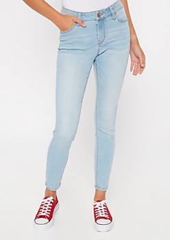 Ultimate Stretch Light Wash Mid Rise Jeggings in Short