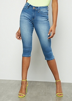 YMI Wanna Betta Butt Medium Wash Capri Jeans