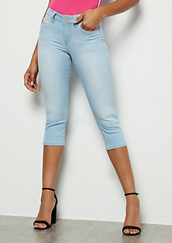 YMI Wanna Betta Butt Light Wash Capri Jeans