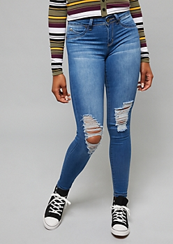 YMI Wanna Betta Butt Medium Wash Ripped Knee Skinny Jeans