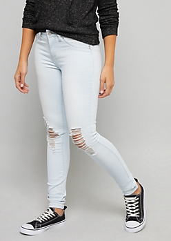 YMI Wanna Betta Butt Mid Rise Extra Light Wash Jeans