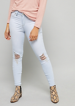 YMI Wanna Betta Butt High Waisted Extra Light Wash Jeans