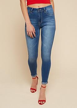 YMI Wanna Betta Butt Luxe Medium Wash Mid Rise Jeans