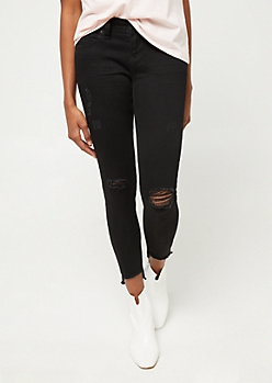 Better Butt Black Fraying Step Hem Jeans in Regular