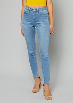 YMI Wanna Betta Butt Light Wash High Waisted Booty Jeans