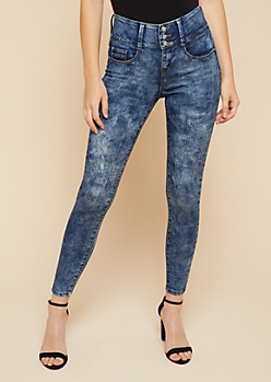 Light Acid Wash Mid Rise Triple Button Booty Jeans