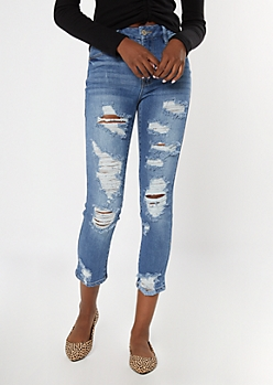 Medium Wash Curvy Blown Knee Throwback Mom Jeans