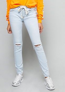 Light Wash Ripped Knee Pull On Jeggings