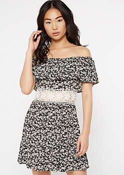 Black Daisy Print Crochet Waist Flounce Dress