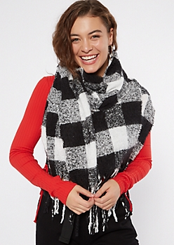 Black Plaid Textured Knit Scarf