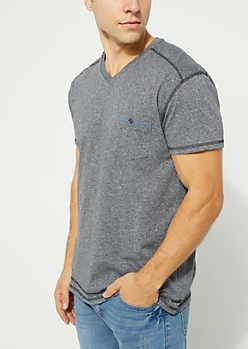 Black Short Sleeve V-Neck Pocket Tee