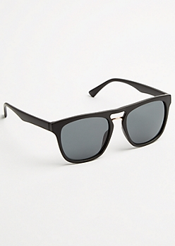 Black Metallic Bridge Smoky Lens Sunglasses