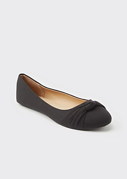 Black Knotted Round Toe Flats