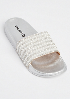 White Pearl Dotted Slides
