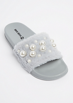 Gray Dotted Pearl Furry Slides