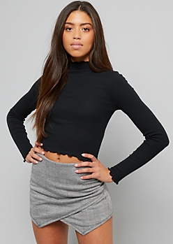 Black Lettuce Edge Ribbed Knit Long Sleeve Top
