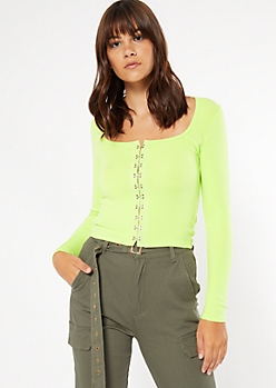 Green Clasp Front Long Sleeve Tee