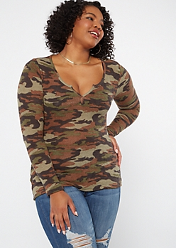 Plus Camp Print Long Sleeve Notch Neck Top