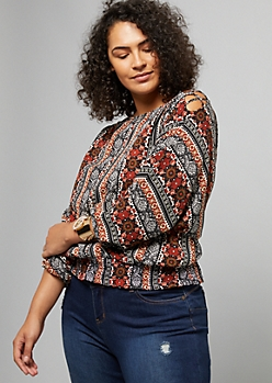 Plus Black Border Print Lattice Shoulder Smocked Top