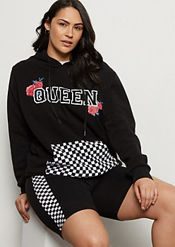 Plus Black Rose Queen Checkered Print Pocket Graphic Hoodie