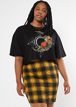 Plus Black Floral Print Celestial Graphic Skimmer Tee