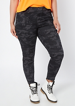 Plus Black Camo Print Pull On Jeggings