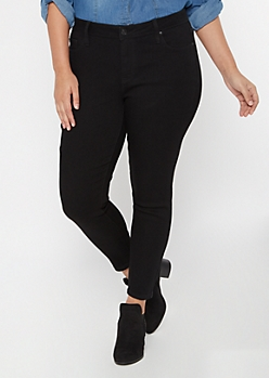 Plus Ultra Stretch Black Mid Rise Jeggings in Short
