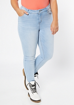 Plus Light Wash Classic Jeggings in Short
