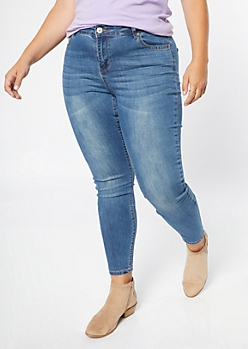 Plus Ultra Stretch Medium Wash Classic Jeggings in Short