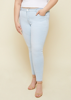 Plus Light Wash Mid Rise Jeggings