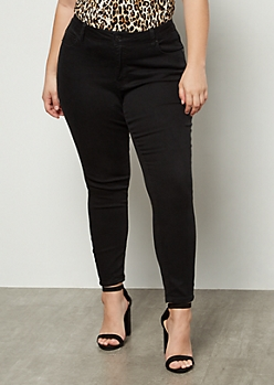 Plus Black Mid Rise Jeggings in Short